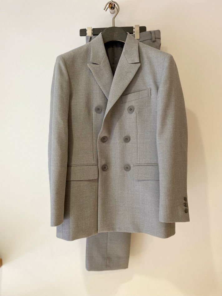 ALLEGE<br />W Peaked Lapel Jacket&Standard slacks SET  GRAY<img class='new_mark_img2' src='//img.shop-pro.jp/img/new/icons47.gif' style='border:none;display:inline;margin:0px;padding:0px;width:auto;' />