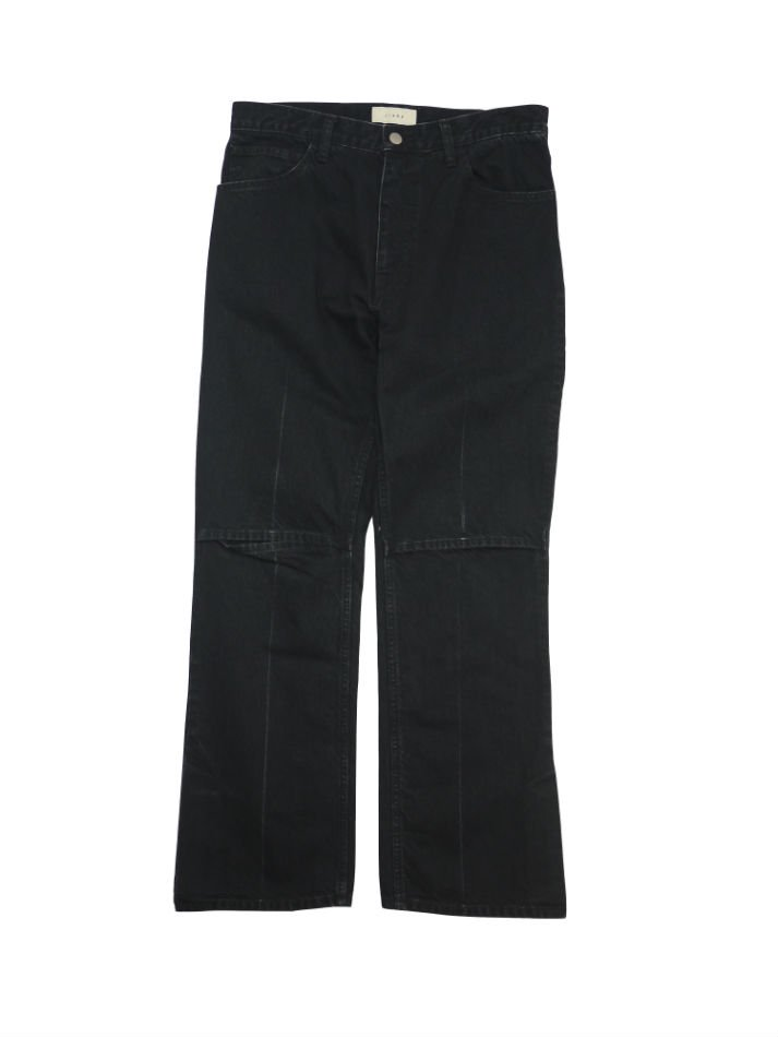 JieDa<br />SLIT DENIM PANTS BLACK<img class='new_mark_img2' src='//img.shop-pro.jp/img/new/icons14.gif' style='border:none;display:inline;margin:0px;padding:0px;width:auto;' />