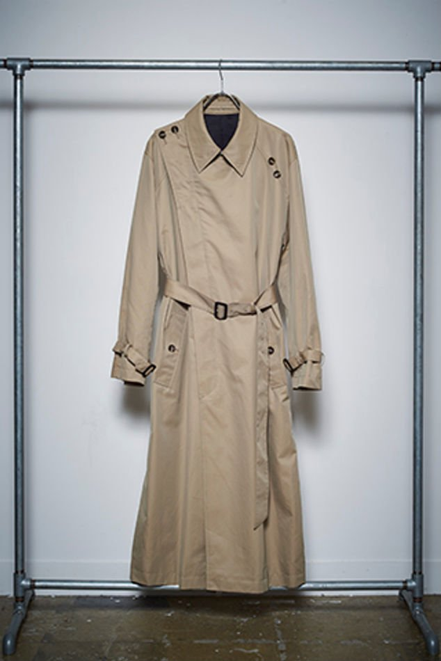 YUKI HASHIMOTO<br />CROSSOVER TRENCH COAT / BEIGE<img class='new_mark_img2' src='//img.shop-pro.jp/img/new/icons47.gif' style='border:none;display:inline;margin:0px;padding:0px;width:auto;' />