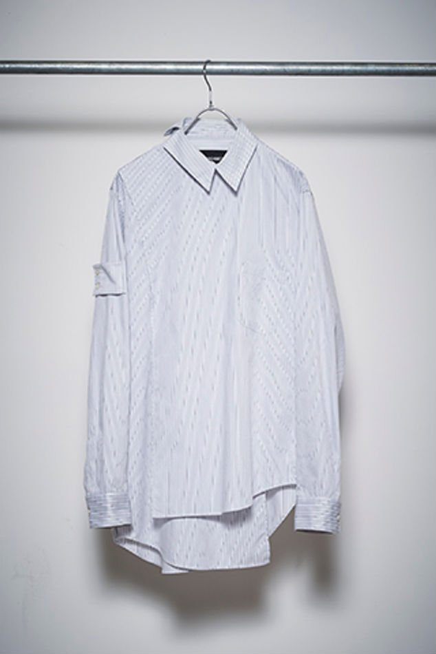 YUKI HASHIMOTO<br />CROSSOVER LONG SLEEVE OFFICER SHIRTS / GRAY<img class='new_mark_img2' src='//img.shop-pro.jp/img/new/icons47.gif' style='border:none;display:inline;margin:0px;padding:0px;width:auto;' />