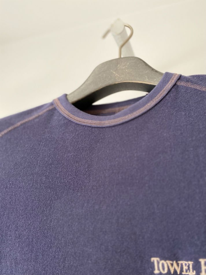 DAIRIKU<br />Towel For Guests Long-Sleeve Tee / Night Purple <img class='new_mark_img2' src='//img.shop-pro.jp/img/new/icons47.gif' style='border:none;display:inline;margin:0px;padding:0px;width:auto;' />