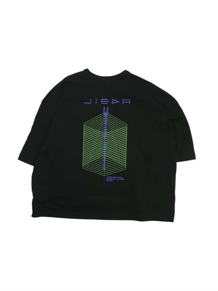 JieDa<br />GEOMETRIC BIG PRINT T-SHIRT /  BLACK<img class='new_mark_img2' src='//img.shop-pro.jp/img/new/icons14.gif' style='border:none;display:inline;margin:0px;padding:0px;width:auto;' />
