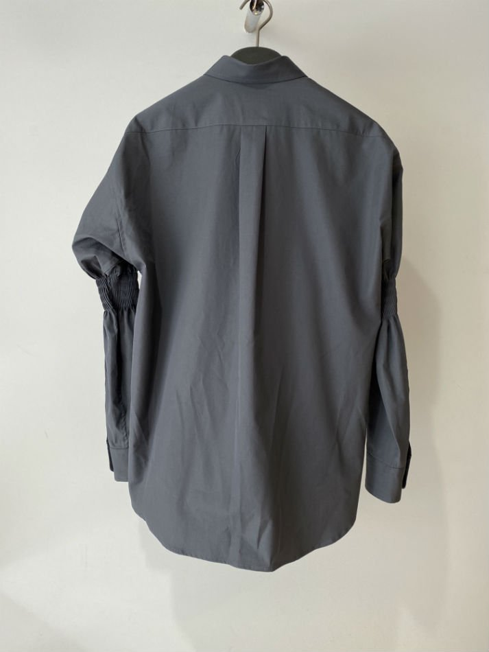 ALLEGE<br />Gather Sleeve Shirt / GRAY<img class='new_mark_img2' src='//img.shop-pro.jp/img/new/icons14.gif' style='border:none;display:inline;margin:0px;padding:0px;width:auto;' />