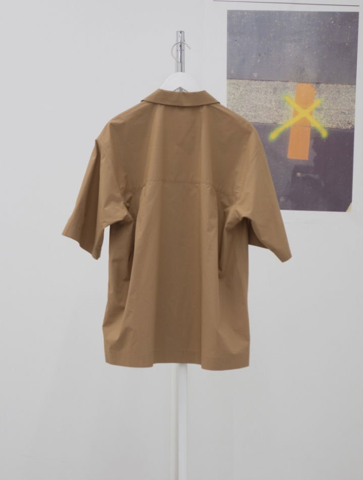 kudos<br />VERCRO TAPE KUDOS SHIRT / BROWN<img class='new_mark_img2' src='//img.shop-pro.jp/img/new/icons14.gif' style='border:none;display:inline;margin:0px;padding:0px;width:auto;' />