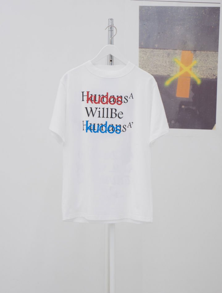 kudos<br />BLUFCAMP/KUDOS T-SHIRT / WHITE<img class='new_mark_img2' src='https://img.shop-pro.jp/img/new/icons14.gif' style='border:none;display:inline;margin:0px;padding:0px;width:auto;' />