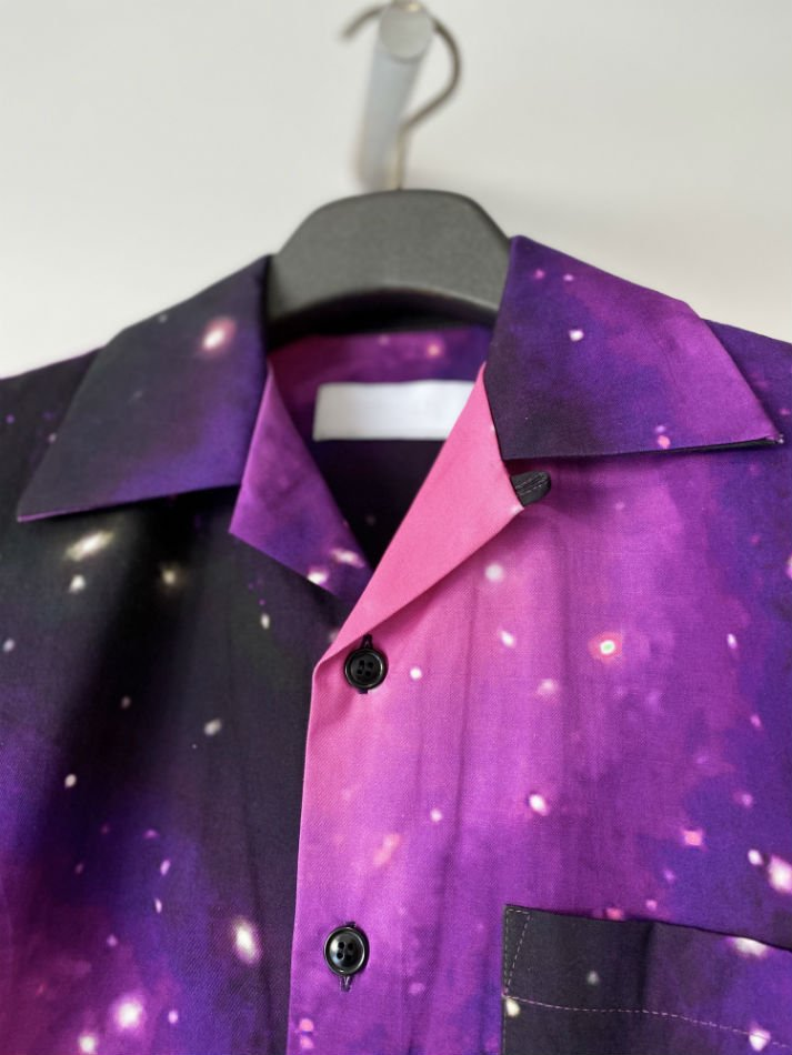 NEON SIGN<br />Cosmo Nebra CottonTwill Shirts HS / Purple<img class='new_mark_img2' src='https://img.shop-pro.jp/img/new/icons47.gif' style='border:none;display:inline;margin:0px;padding:0px;width:auto;' />