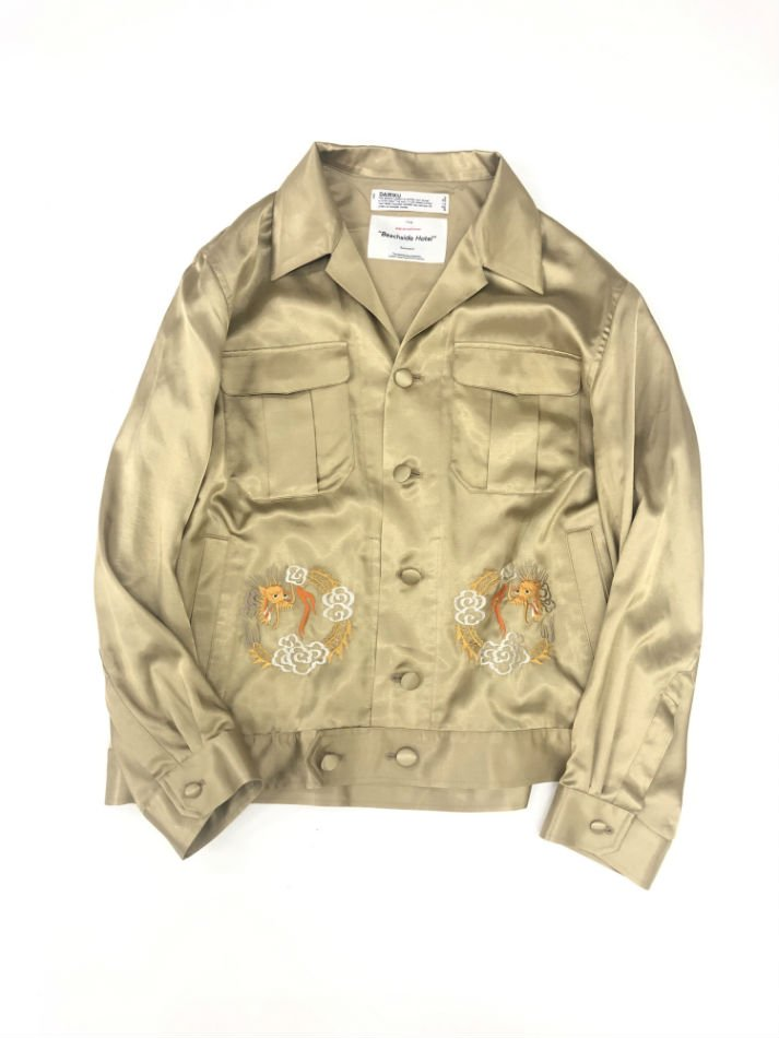 DAIRIKU<br />Dragon Embroidery Souvenir Jacket / Champagne Gold<img class='new_mark_img2' src='https://img.shop-pro.jp/img/new/icons14.gif' style='border:none;display:inline;margin:0px;padding:0px;width:auto;' />