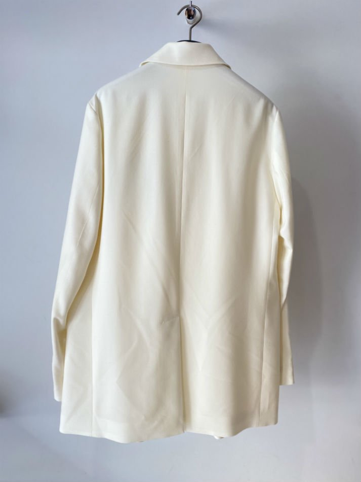 DAIRIKU<br />Open Collar Tailored Jacket / White <img class='new_mark_img2' src='https://img.shop-pro.jp/img/new/icons14.gif' style='border:none;display:inline;margin:0px;padding:0px;width:auto;' />