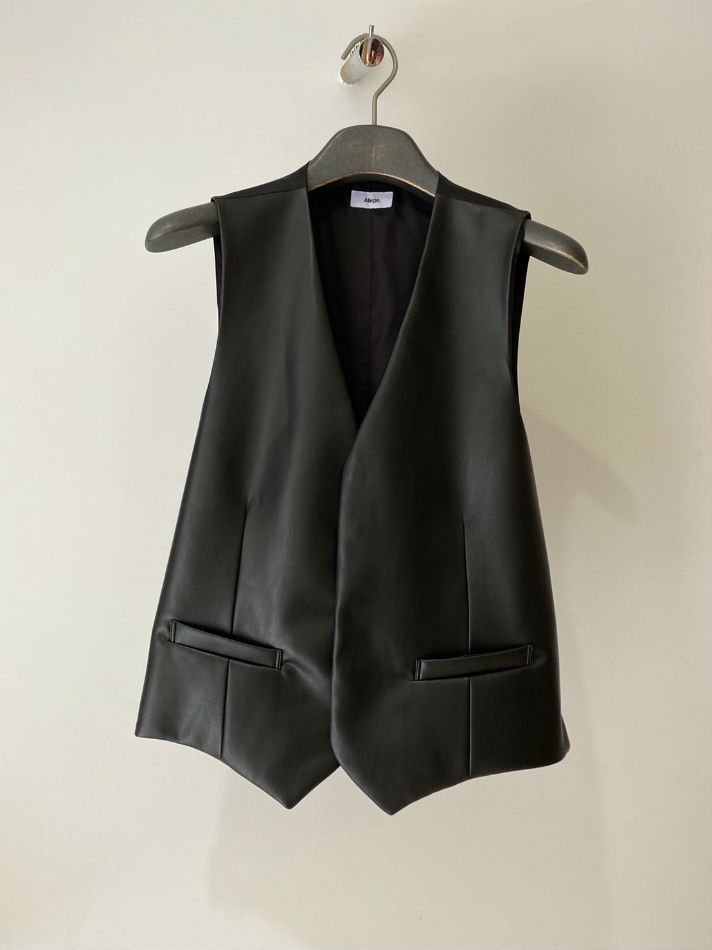 ALLEGE<br />Synthetic Leather Gilet / BLACK