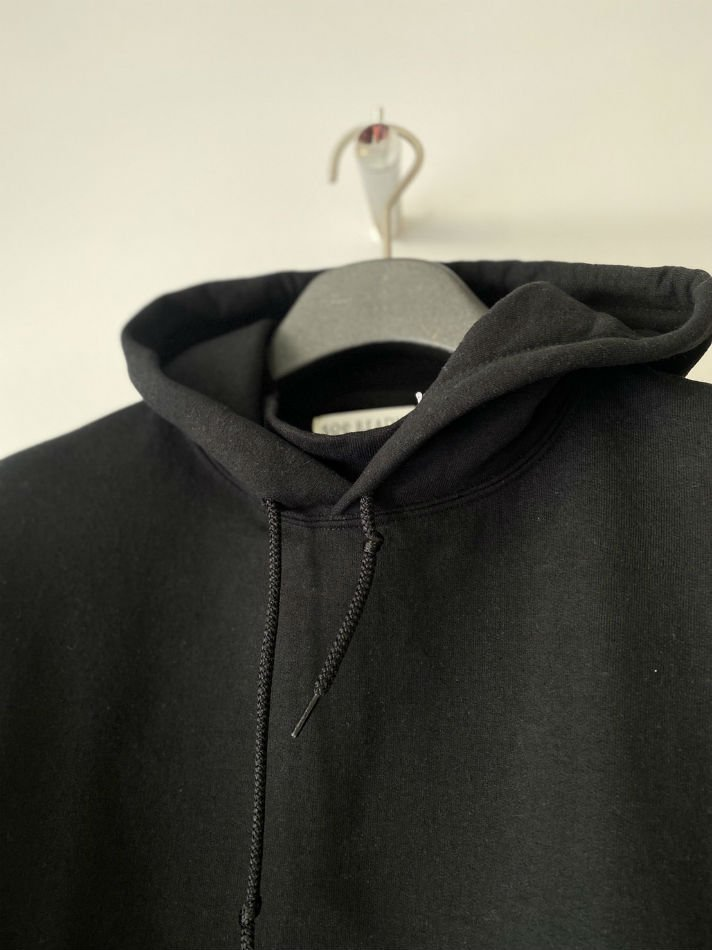 soe<br />Elbow Patched Back Open Hoodie collaborated PRE_ / BLACK <img class='new_mark_img2' src='https://img.shop-pro.jp/img/new/icons14.gif' style='border:none;display:inline;margin:0px;padding:0px;width:auto;' />
