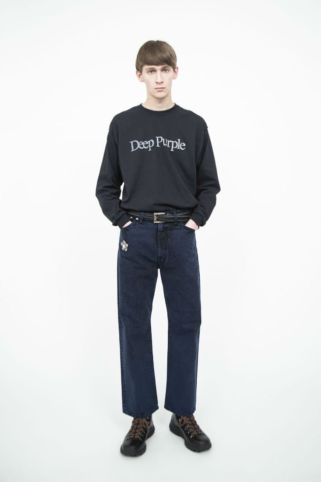 soe<br />Bleach Color Jeans collaborated with EDWIN / NAVY <img class='new_mark_img2' src='https://img.shop-pro.jp/img/new/icons14.gif' style='border:none;display:inline;margin:0px;padding:0px;width:auto;' />