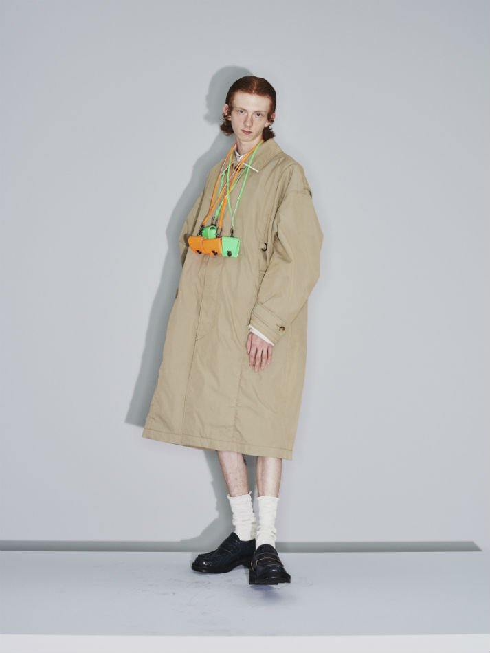 JieDa<br />TRENCH OVER COAT / BEIGE