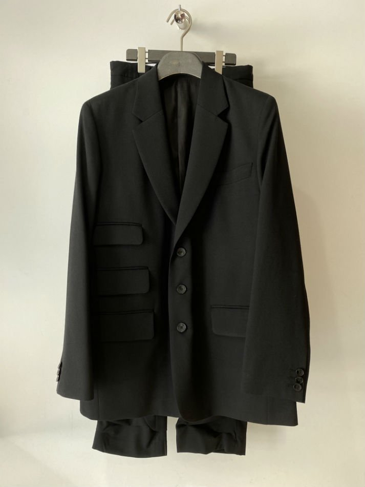 kudos<br />BLACK IS MINDSET JACKET NORMAL & TACK TACK TROUSERS SET / BLACK