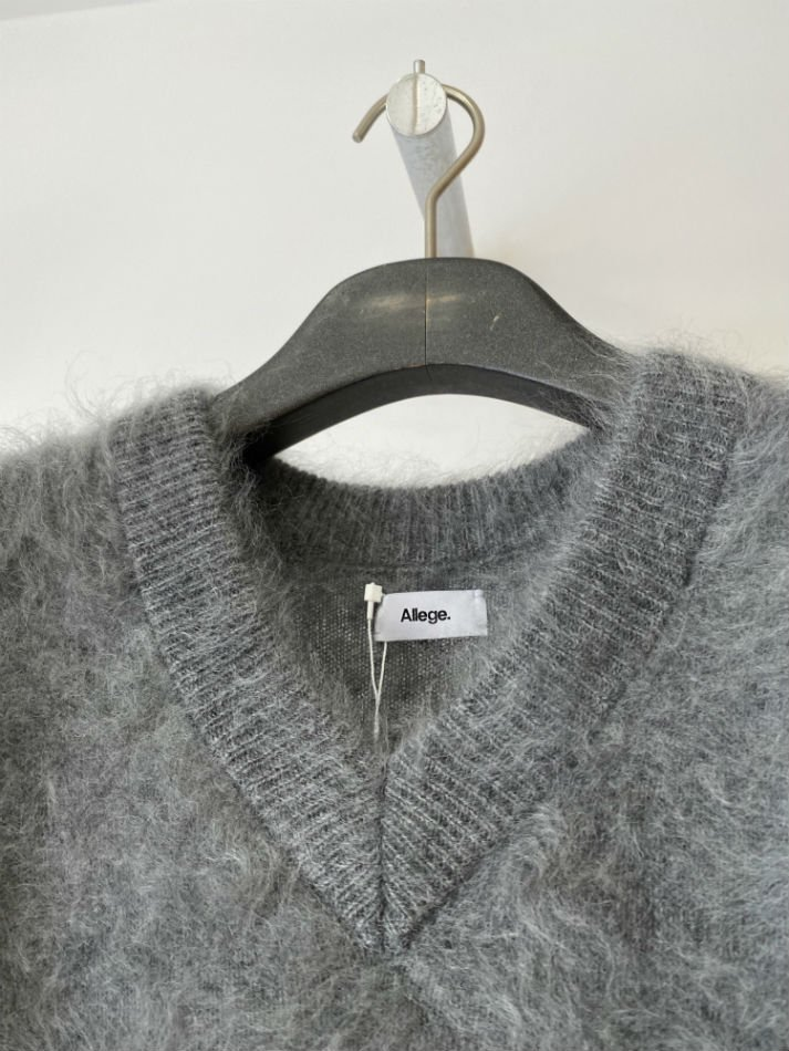 ALLEGE<br />Cashmere Mink Vest / GRAY <img class='new_mark_img2' src='https://img.shop-pro.jp/img/new/icons14.gif' style='border:none;display:inline;margin:0px;padding:0px;width:auto;' />