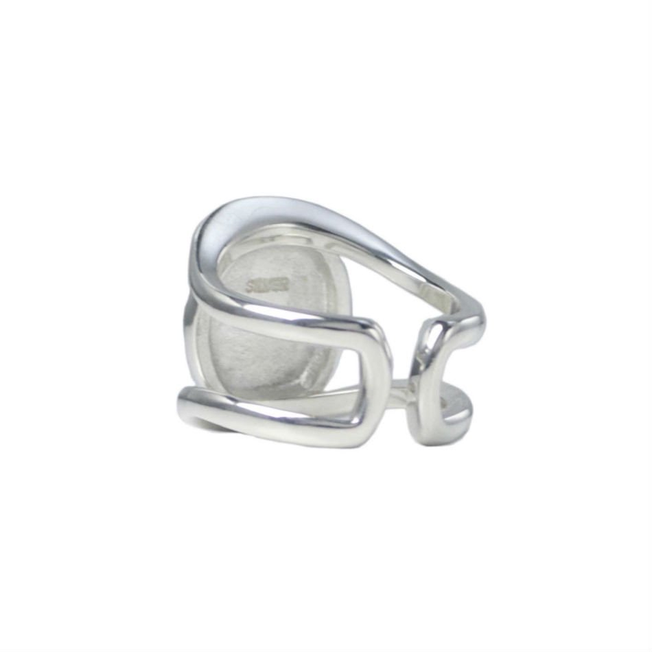 BUYING ITEM<br />cut-out eye ring <img class='new_mark_img2' src='https://img.shop-pro.jp/img/new/icons14.gif' style='border:none;display:inline;margin:0px;padding:0px;width:auto;' />
