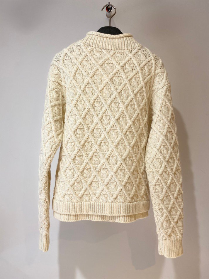 ALLEGE<br />Hand Cable Knit / WHITE <img class='new_mark_img2' src='https://img.shop-pro.jp/img/new/icons14.gif' style='border:none;display:inline;margin:0px;padding:0px;width:auto;' />
