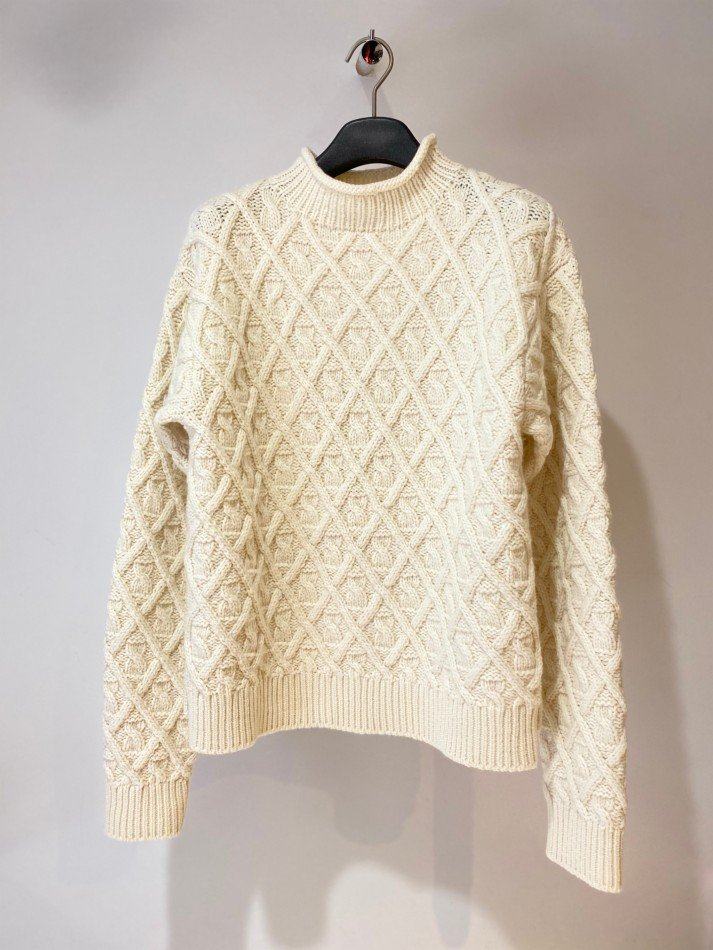 ALLEGE<br />Hand Cable Knit / WHITE