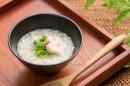 レトルト介護食:稲庭うどん200g(スマイルケア食「青」マーク 利用許諾商品(農林水産省)