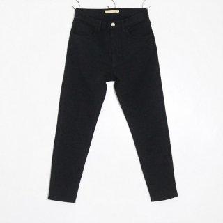 SLIM TAPERED PANTS / BLACK