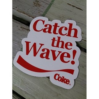 <img class='new_mark_img1' src='//img.shop-pro.jp/img/new/icons5.gif' style='border:none;display:inline;margin:0px;padding:0px;width:auto;' />ステッカー☆COKE☆ (CC-BA65:コカ・コーラ CATCH THE WAVE!ダイカット)コカコーラ ステッカー  輸入雑貨/海外雑貨/直輸入/アメリカ雑貨