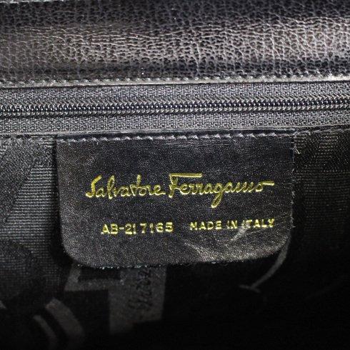 Ferragamo フェラガモ ヴィンテージ<br>ガンチーニレザーショルダーバッグ