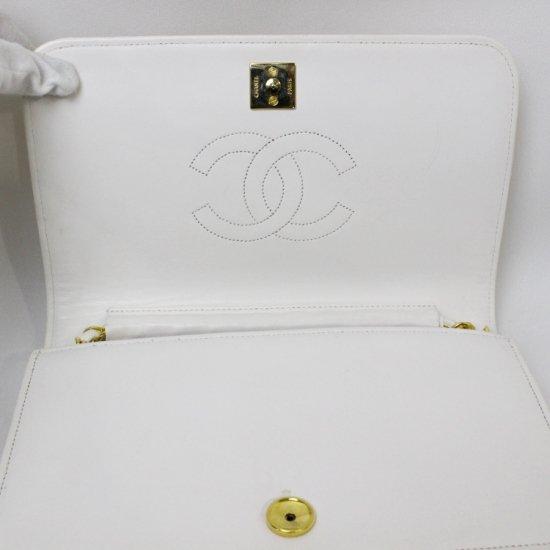 CHANEL シャネル ヴィンテージ<br>ココマークマトラッセチェーンショルダーバッグ ホワイト