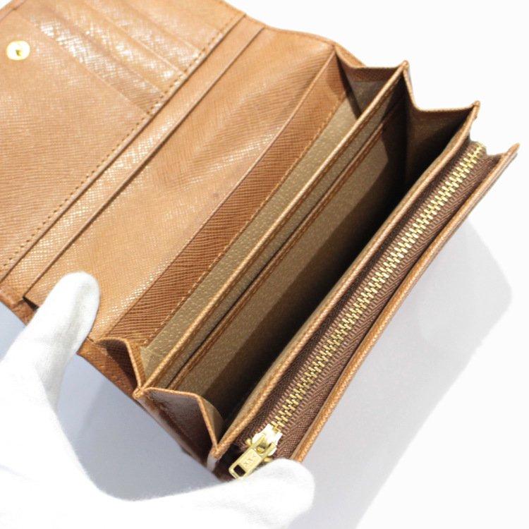 GIVENCHY ジバンシー ヴィンテージ<br>型押しレザー三つ折り財布