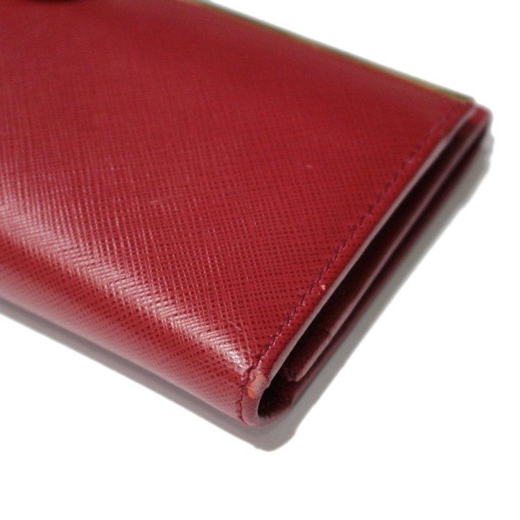 Ferragamo フェラガモ ヴィンテージ<br>ガンチーニレザー二つ折り長財布 レッド