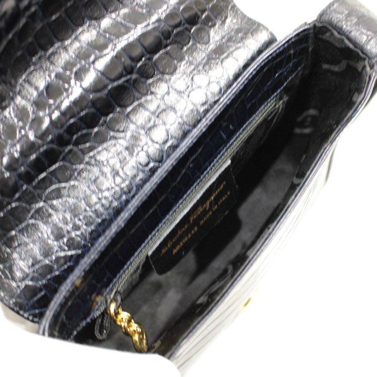 Ferragamo フェラガモ ヴィンテージ<br>ガンチーニクロコ型押しレザーショルダーバッグ ネイビー