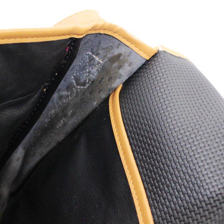 YSL イヴサンローラン ヴィンテージ<br>バイカラ—ロゴプレートショルダーバッグ