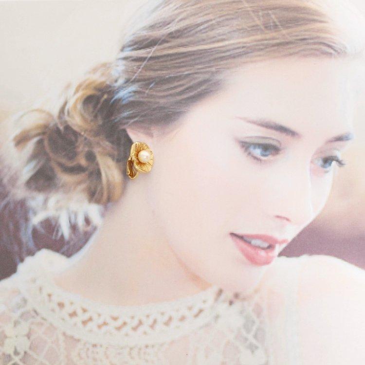Dior ディオール ヴィンテージ<br>フラワーモチーフフェイクパールイヤリング