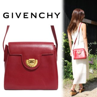 <img class='new_mark_img1' src='https://img.shop-pro.jp/img/new/icons14.gif' style='border:none;display:inline;margin:0px;padding:0px;width:auto;' />GIVENCHY ジバンシー ヴィンテージ<br>カーフレザーショルダーバッグ レッド