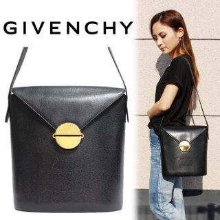 <img class='new_mark_img1' src='https://img.shop-pro.jp/img/new/icons14.gif' style='border:none;display:inline;margin:0px;padding:0px;width:auto;' />GIVENCHY ジバンシー ヴィンテージ<br>サークルロゴ金具レザーショルダーバッグ
