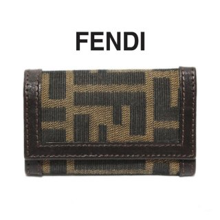 <img class='new_mark_img1' src='https://img.shop-pro.jp/img/new/icons14.gif' style='border:none;display:inline;margin:0px;padding:0px;width:auto;' />FENDI フェンディ ヴィンテージ<br>ズッカ柄6連キーケース