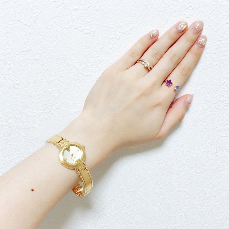 GIVENCHY ジバンシー ヴィンテージ<br>ロゴ×ゴールドQZ腕時計