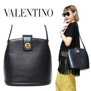 <img class='new_mark_img1' src='https://img.shop-pro.jp/img/new/icons14.gif' style='border:none;display:inline;margin:0px;padding:0px;width:auto;' />VALENTINO ヴァレンティノ ヴィンテージ<br>ターンロックレザーショルダーバッグ ネイビー