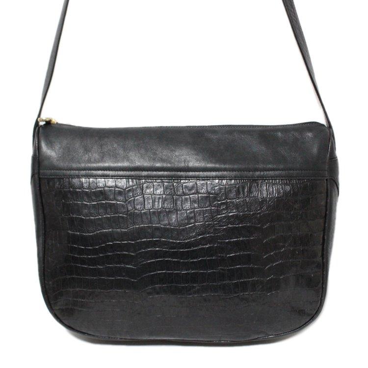 FENDI フェンディ ヴィンテージ<br>型押しレザーショルダーバッグ