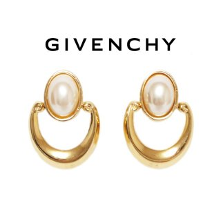 <img class='new_mark_img1' src='https://img.shop-pro.jp/img/new/icons14.gif' style='border:none;display:inline;margin:0px;padding:0px;width:auto;' />GIVENCHY ジバンシー ヴィンテージ<br>フェイクパールゴールドイヤリング