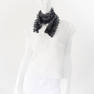 突き出し絞りスカーフ ブラック&ホワイト