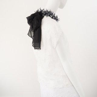 唄絞り両端フリルスカーフ(ハーフ) ブラック&ホワイト