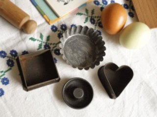 イギリスアンティーク 小さなお菓子の型セット(3)