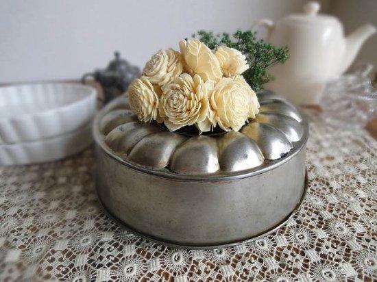 イギリスアンティーク お花模様のケーキ焼き型