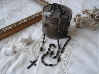 アンティーク 黒い木製ビーズと聖母子のロザリオ