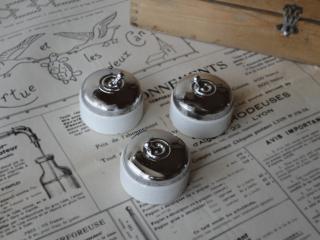 フランス 陶器とクロムメッキカバーのアンティークスイッチ