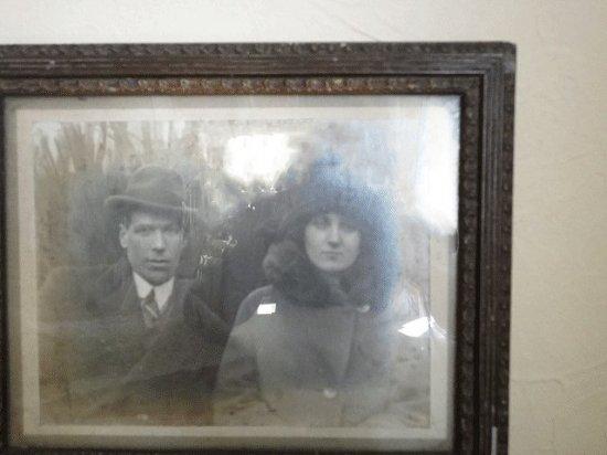 イギリス アンティークフレーム(男と女のポートレート写真)