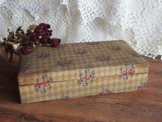 アンティーク 薔薇模様のカルトナージュ木箱