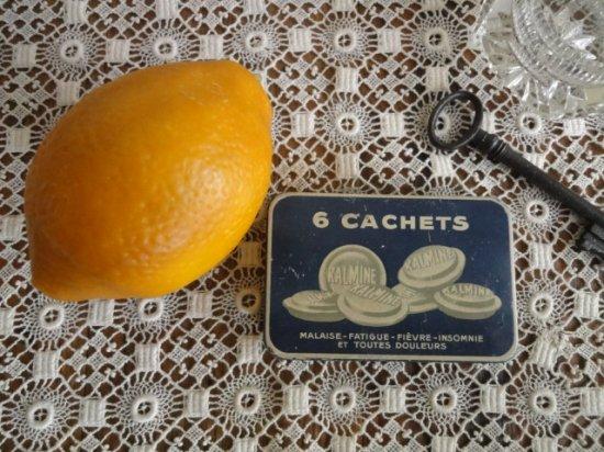 フランス カルミン6CACHETS アンティーク缶
