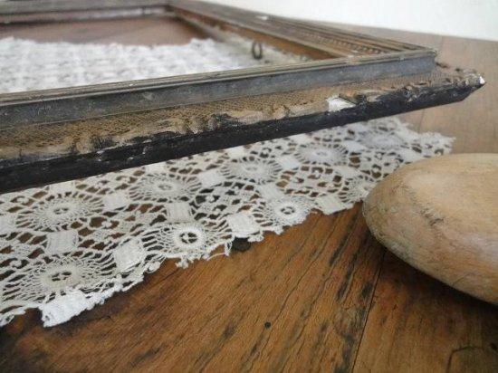 イギリス 木製アンティークフレーム(スクロールとワッフル模様)
