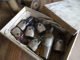 フランス セヌリエのアンティークボトルのセット