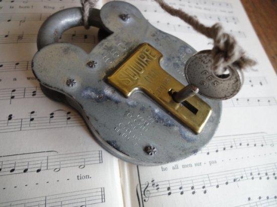 イギリスのアンティーク南京錠(くまのパドロック)